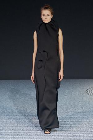 Показ Viktor & Rolf коллекции сезона Осень-зима 2013-2014 года Haute couture - www.elle.ru - Подиум - фото 556557