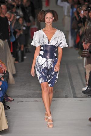 Показ Lefranc Ferrant коллекции сезона Осень-зима 2009-2010 года haute couture - www.elle.ru - Подиум - фото 88061