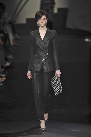 Показ Giorgio Armani Privé коллекции сезона Осень-зима 2009-2010 года haute couture - www.elle.ru - Подиум - фото 87711