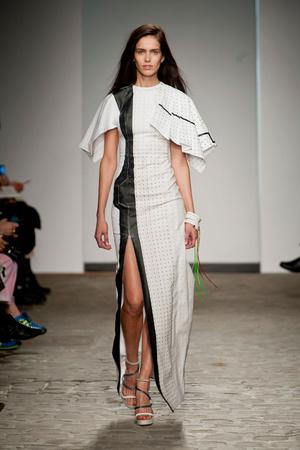Показ Vionnet коллекции сезона Весна-лето 2014 года Haute couture - www.elle.ru - Подиум - фото 575051