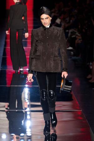Показ Jean Paul Gaultier коллекции сезона Осень-зима 2012-2013 года Haute couture - www.elle.ru - Подиум - фото 404632