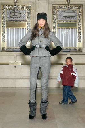 Показ Moncler Grenoble коллекции сезона Осень-зима 2011-2012 года prêt-à-porter - www.elle.ru - Подиум - фото 230333