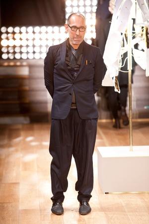 Показ Atelier Gustavo Lins коллекции сезона Весна-лето 2013 года haute couture - www.elle.ru - Подиум - фото 479481