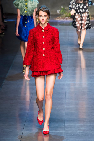 Показ Dolce & Gabbana коллекции сезона Весна-лето 2014 года prêt-à-porter - www.elle.ru - Подиум - фото 566251