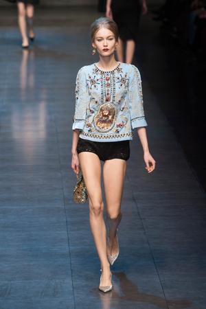 Показ Dolce & Gabbana коллекции сезона Осень-зима 2013-2014 года Prêt-à-porter - www.elle.ru - Подиум - фото 524912