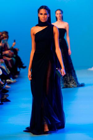 Показ Elie Saab коллекции сезона Весна-лето 2014 года Haute couture - www.elle.ru - Подиум - фото 575148