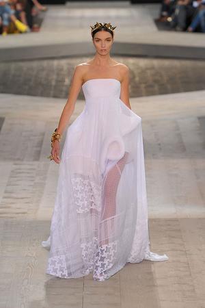Показ Givenchy коллекции сезона Осень-зима 2009-2010 года Haute couture - www.elle.ru - Подиум - фото 87749