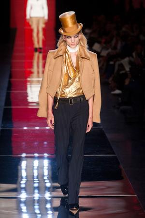 Показ Jean Paul Gaultier коллекции сезона Осень-зима 2012-2013 года Haute couture - www.elle.ru - Подиум - фото 404628