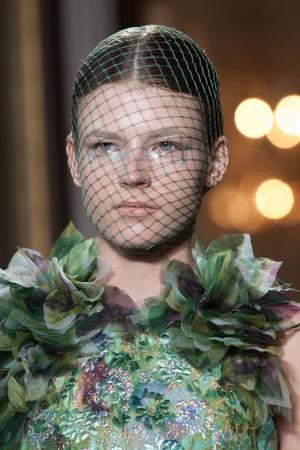 Показ Giambattista Valli коллекции сезона Осень-зима 2012-2013 года haute couture - www.elle.ru - Подиум - фото 403787