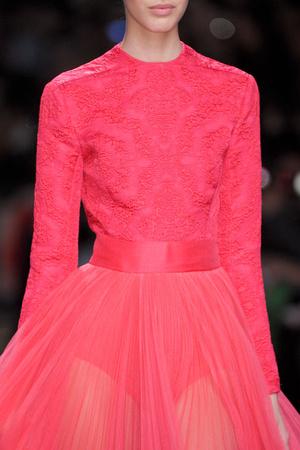 Показ Christian Dior коллекции сезона Осень-зима 2012-2013 года prêt-à-porter - www.elle.ru - Подиум - фото 376915