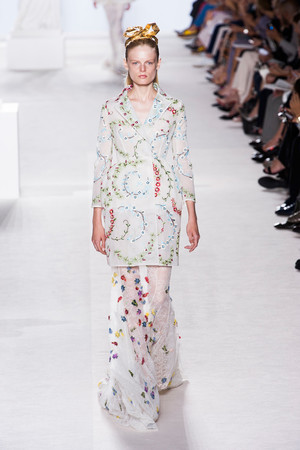 Показ Giambattista Valli коллекции сезона Осень-зима 2013-2014 года Haute couture - www.elle.ru - Подиум - фото 556437