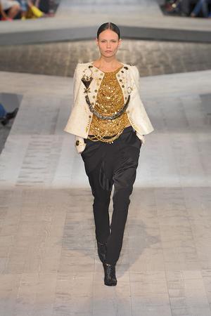 Показ Givenchy коллекции сезона Осень-зима 2009-2010 года Haute couture - www.elle.ru - Подиум - фото 87739