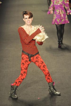 Показ Betsey Johnson коллекции сезона Осень-зима 2011-2012 года prêt-à-porter - www.elle.ru - Подиум - фото 229359