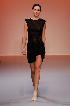 Показ Lefranc Ferrant коллекции сезона Осень-зима 2010-2011 года haute couture - www.elle.ru - Подиум - фото 168006