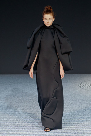 Показ Viktor & Rolf коллекции сезона Осень-зима 2013-2014 года Haute couture - www.elle.ru - Подиум - фото 556560