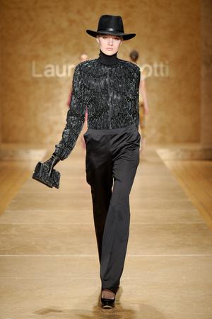 Показ Laura Biagiotti коллекции сезона Осень-зима 2011-2012 года prêt-à-porter - www.elle.ru - Подиум - фото 246900