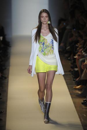 Показ Vanessa Bruno коллекции сезона Весна-лето 2011 года prêt-à-porter - www.elle.ru - Подиум - фото 190000