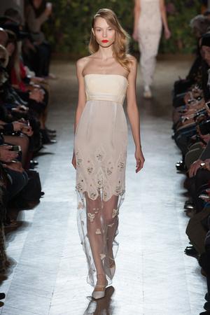 Показ Didit Hediprasetyo коллекции сезона Весна-лето 2014 года haute couture - www.elle.ru - Подиум - фото 575408