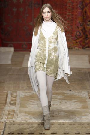 Показ Erin Wasson+RVCA коллекции сезона Осень-зима 2010-2011 года Prêt-à-porter - www.elle.ru - Подиум - фото 141793
