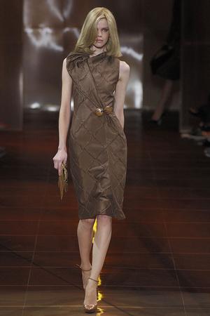Показ Giorgio Armani Privé коллекции сезона Осень-зима 2010-2011 года haute couture - www.elle.ru - Подиум - фото 167648