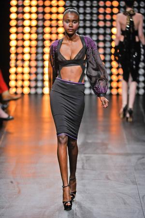 Показ Julien Fournie коллекции сезона Осень-зима 2012-2013 года Haute couture - www.elle.ru - Подиум - фото 404516