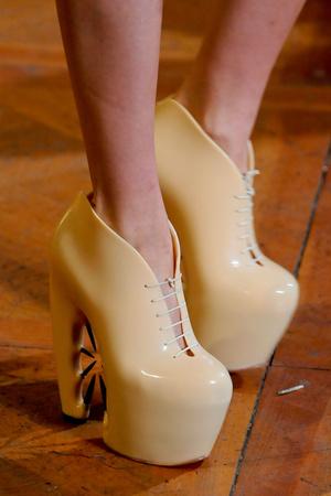 Показ  коллекции сезона Осень-зима 2012-2013 года Haute couture - www.elle.ru - Подиум - фото 403765