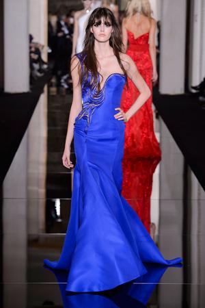 Показ Versace Haute Couture коллекции сезона Весна-лето 2015 года haute couture - www.elle.ru - Подиум - фото 592877
