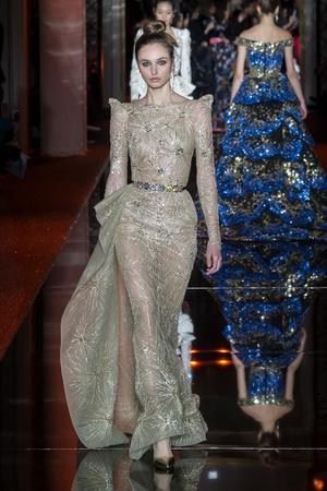 Показ Zuhair Murad коллекции сезона Весна-лето  2017 года haute couture - www.elle.ru - Подиум - фото 616727
