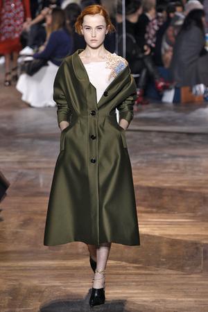 Показ CHRISTIAN DIOR коллекции сезона Весна-лето  2016 года Haute couture - www.elle.ru - Подиум - фото 602666