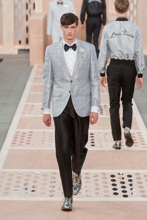 Показ Louis Vuitton коллекции сезона Весна-лето 2014 года Men prêt-à-porter - www.elle.ru - Подиум - фото 556984