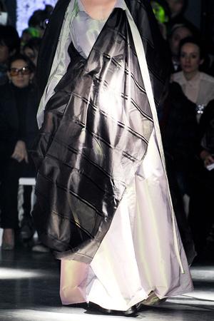 Показ Vivienne Westwood коллекции сезона Осень-зима 2012-2013 года Prêt-à-porter - www.elle.ru - Подиум - фото 380326