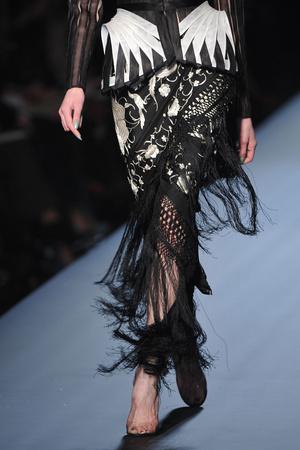 Показ Jean Paul Gaultier коллекции сезона Весна-лето 2010 года Haute couture - www.elle.ru - Подиум - фото 139080