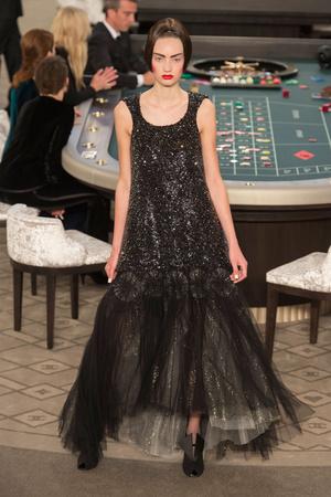 Показ Chanel коллекции сезона Осень-зима 2015-2016 года Haute couture - www.elle.ru - Подиум - фото 597090