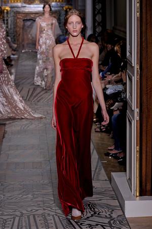 Показ Valentino коллекции сезона Осень-зима 2011-2012 года haute couture - www.elle.ru - Подиум - фото 278540