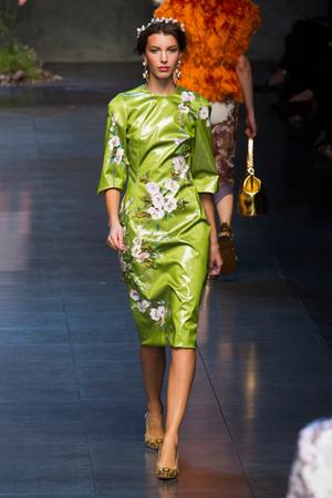 Показ Dolce & Gabbana коллекции сезона Весна-лето 2014 года prêt-à-porter - www.elle.ru - Подиум - фото 566254