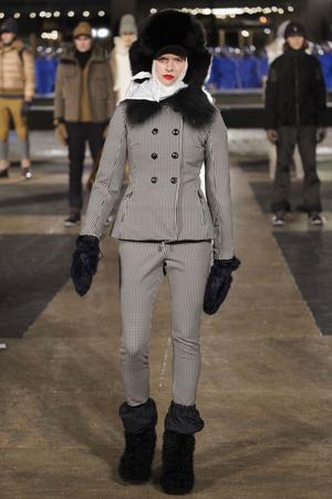 Показ Moncler Grenoble коллекции сезона Осень-зима 2016-2017 года prêt-à-porter - www.elle.ru - Подиум - фото 603530