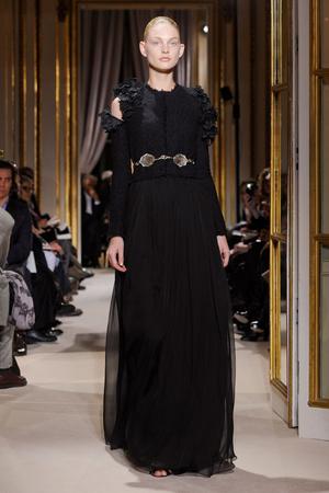 Показ Giambattista Valli коллекции сезона Весна-лето 2012 года haute couture - www.elle.ru - Подиум - фото 330852