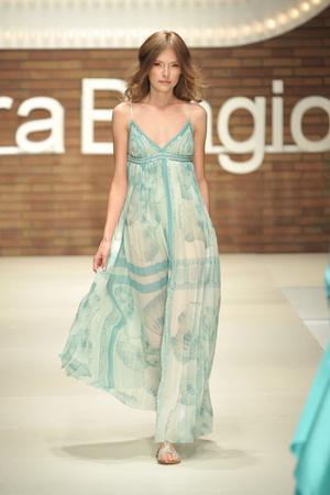 Показ Laura Biagiotti коллекции сезона Весна-лето 2009 года Prêt-à-porter - www.elle.ru - Подиум - фото 82560