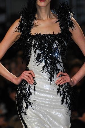 Показ Julien Fournie коллекции сезона Весна-лето 2013 года haute couture - www.elle.ru - Подиум - фото 480204