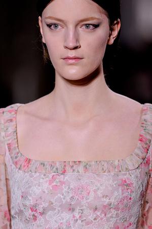 Показ Valentino коллекции сезона Весна-лето 2012 года Haute couture - www.elle.ru - Подиум - фото 333867