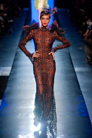 Показ Jean Paul Gaultier коллекции сезона Весна-лето 2014 года Haute couture - www.elle.ru - Подиум - фото 575204