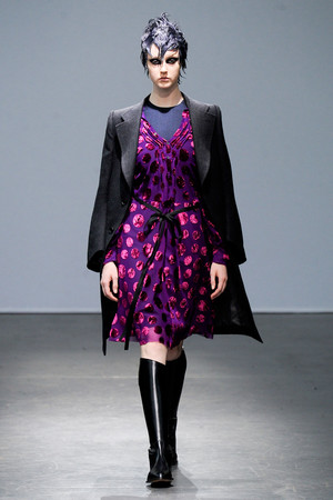 Показ Junya Watanabe коллекции сезона Осень-зима 2012-2013 года Prêt-à-porter - www.elle.ru - Подиум - фото 377921