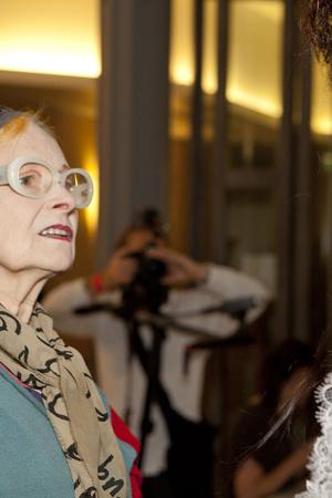 Показ Vivienne Westwood коллекции сезона Весна-лето 2014 года Prêt-à-porter - www.elle.ru - Подиум - фото 569327