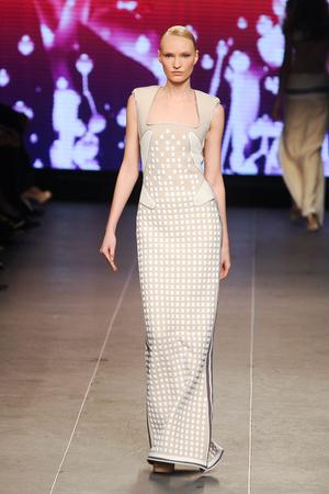 Показ Julien Fournie коллекции сезона Весна-лето 2012 года Haute couture - www.elle.ru - Подиум - фото 331793