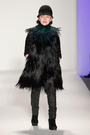 Показ Joanna Mastroianni коллекции сезона Осень-зима 2013-2014 года Prêt-à-porter - www.elle.ru - Подиум - фото 489985