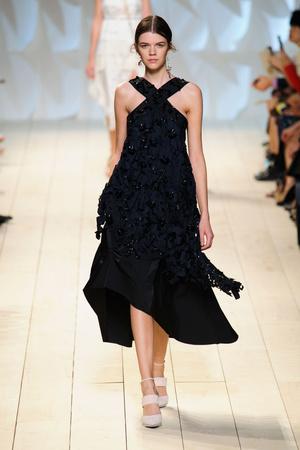 Показ Nina Ricci коллекции сезона Весна-лето 2015 года prêt-à-porter - www.elle.ru - Подиум - фото 590780