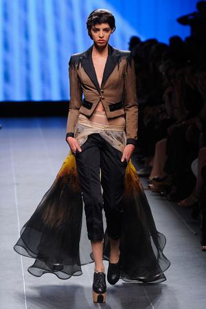 Показ Julien Fournie коллекции сезона Осень-зима 2011-2012 года Haute couture - www.elle.ru - Подиум - фото 278568