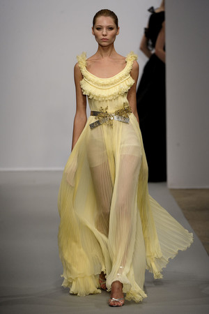 Показ Christophe Josse коллекции сезона Весна-лето 2011 года haute couture - www.elle.ru - Подиум - фото 214806