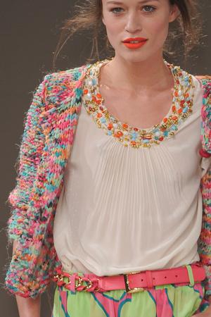 Показ Moschino Cheap & Chic коллекции сезона Весна-лето 2011 года Prêt-à-porter - www.elle.ru - Подиум - фото 184247