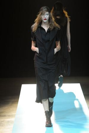 Показ Yohji Yamamoto коллекции сезона Весна-лето 2011 года prêt-à-porter - www.elle.ru - Подиум - фото 189114